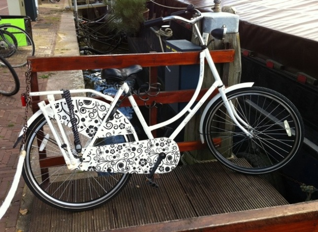 You can also buy classic Dutch bikes embellished with floral patterns.