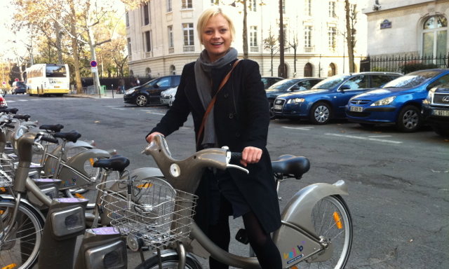 Danish Woman in Paris on Velib