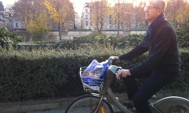 Dick in Paris on Velib