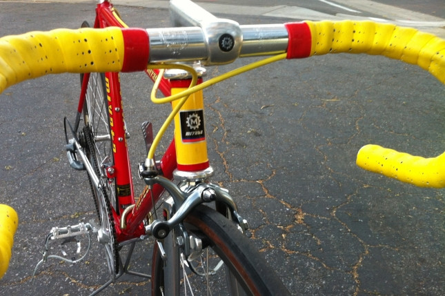 The 1986 Pro Miyata has classic features like a quill stem.