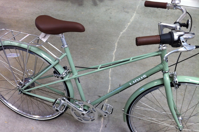 I wanted a lighter weight city bike for my new job. The Linus Mixte was nice.