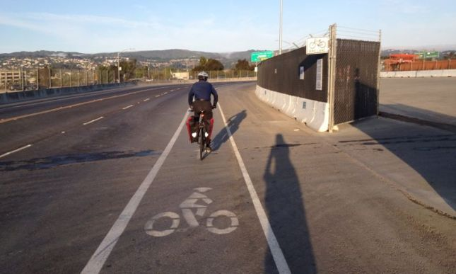 Then came a short ride across the freeway and up to the airport. No headwind at 8 am.