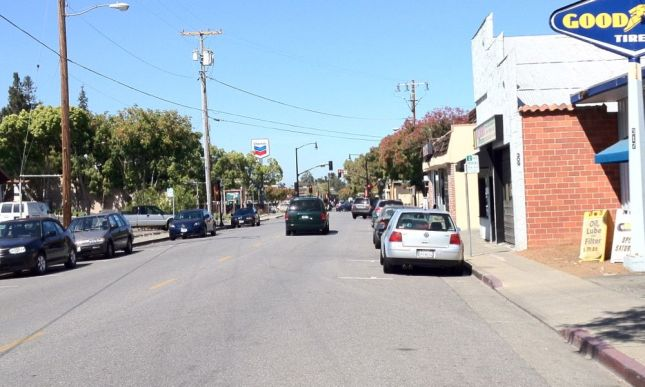 There are no sharrows  further down 1st Street,  where street parking creates a door zone hazard.