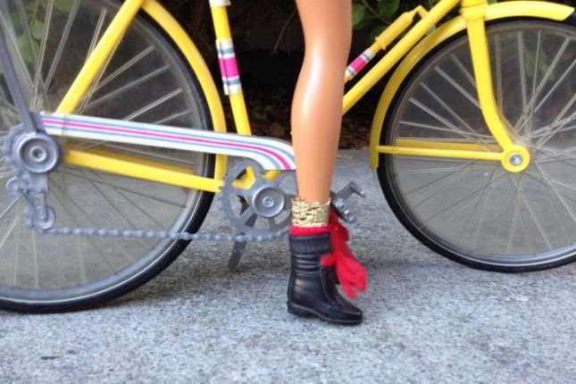 Barbie's bike from the 1970s had a deraileur and a frame pump.