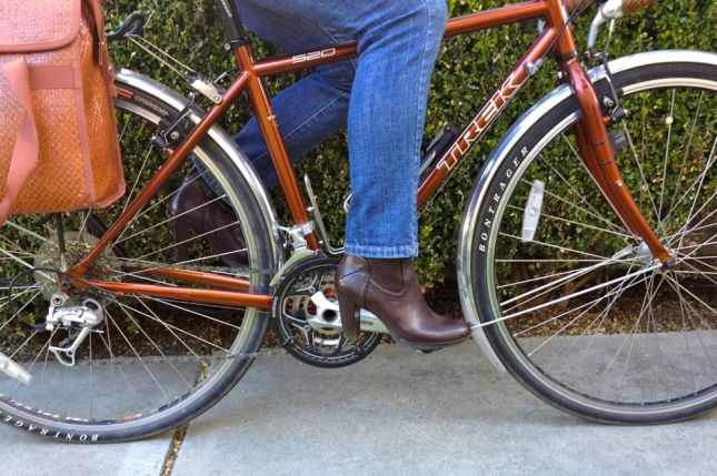 The rubber soles on these cropped riding boots stay put on my reversible SPD + flat pedals.
