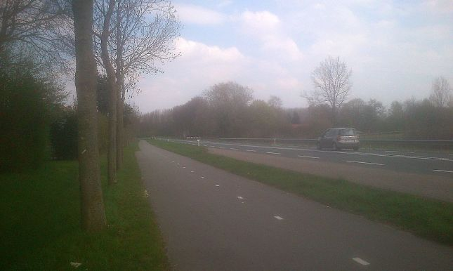 Higher-speed roads have separated cyclepaths for safety and comfort.