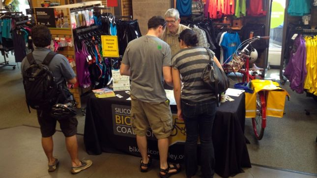 The first hour was busy with a lot of questions about where there were good bike routes.