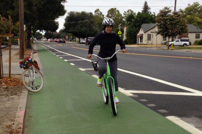 sarah-on-new-bike