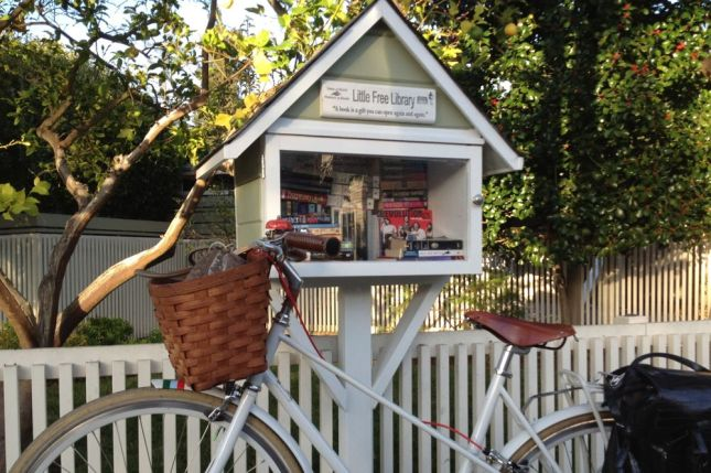 Palo Alto Little Free Library