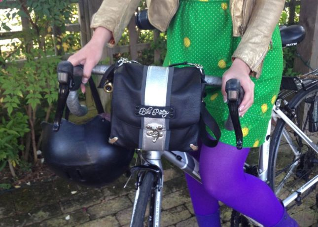 Perfectly sized to hold all you need, but small enough to fit  drop handlebars.